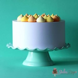 Patera na tort miętowaz falbanką - 27 cm