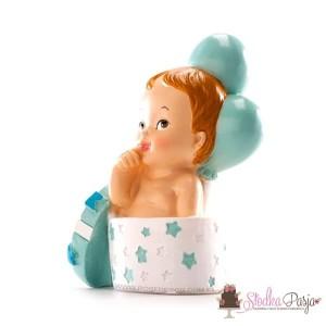 Figurka na tort Chrzest Dziecko w prezenciku chłopiec